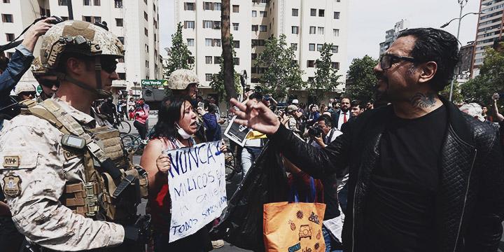 Militares intervienen en manifestación de Plaza Italia