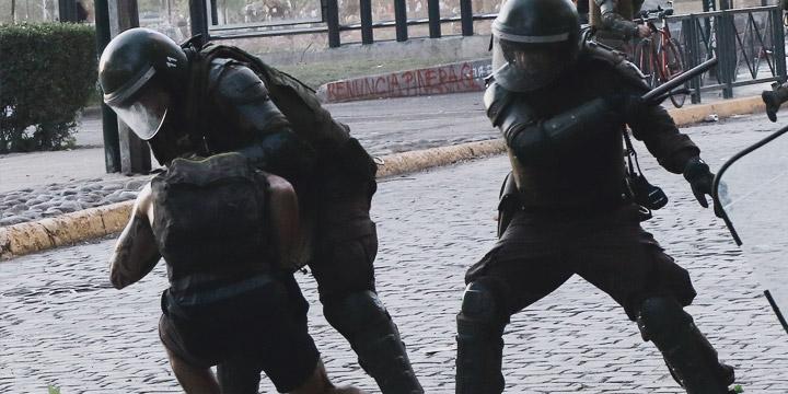 INDH se querella contra carabineros y militares por violencia policial