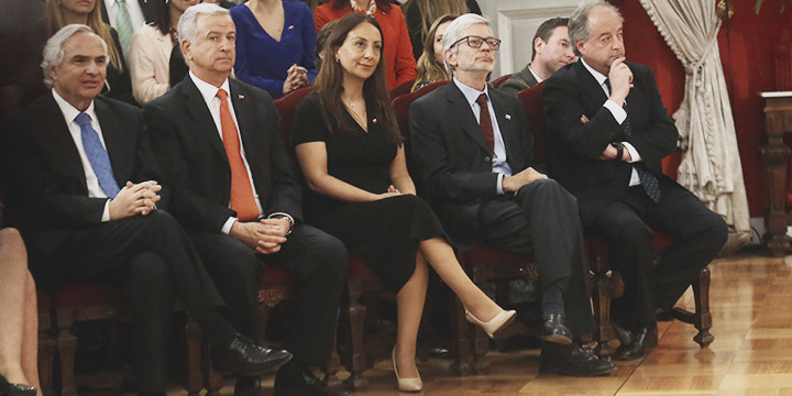 Cambio de gabinete en ocho ministerios
