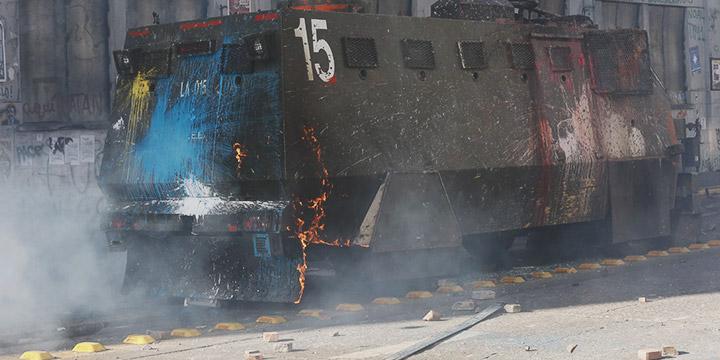 Balance de Carabineros: Más de 800 uniformados heridos