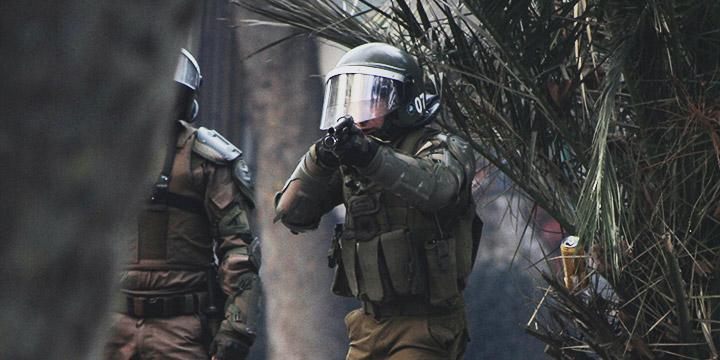 Fiscal anuncia formalización de 14 carabineros por torturas