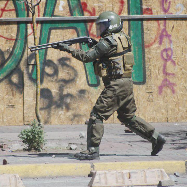 INDH exige a Carabineros  fin al uso de escopetas antimotines