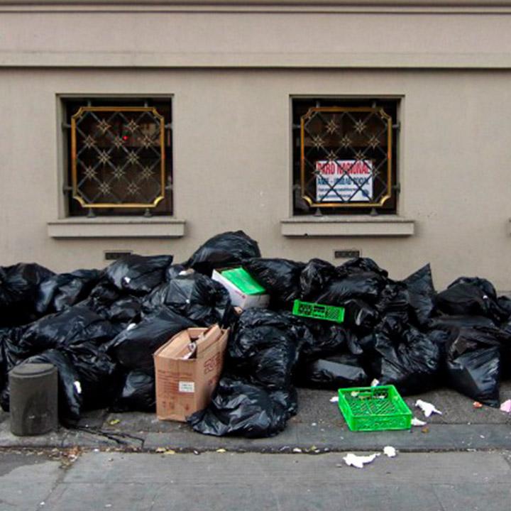 Recolectores de basura deponen el paro tras llegar a acuerdo